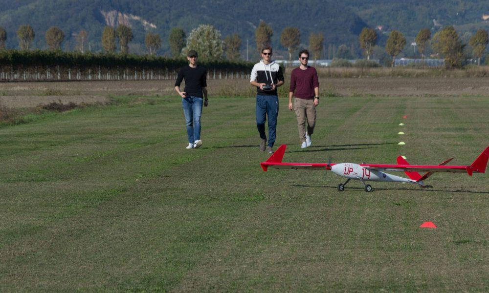 Scena Esplosiva campo di volo